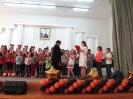 И.В. Захаров награждает конкурсантов номинации Хореография